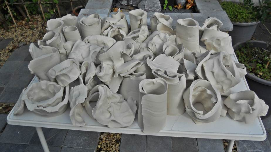 A new batch of slip and paper porcelain.