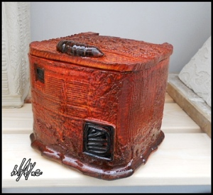 Ceramic box. A low fire red clay.