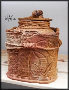 Ceramic box. A low fire red clay. Dry glazes.