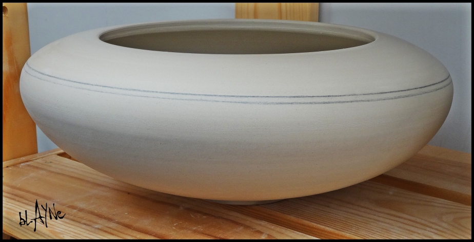 Dry, polished pot .