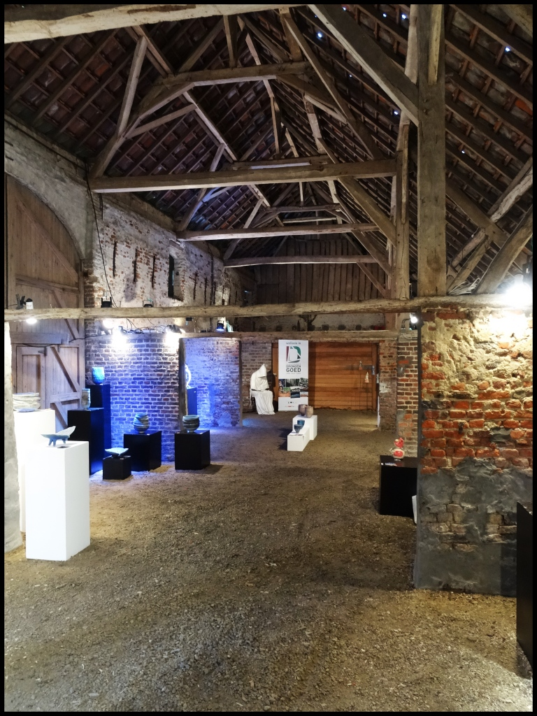 Drongengoed hoeve. Exhibition in the farm buildings.