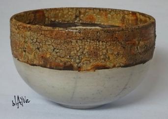 Ceramic bowl. Terra and crawl glaze.