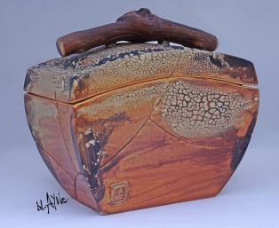 Ceramic box, Terra sigillata and crawl glazes.
