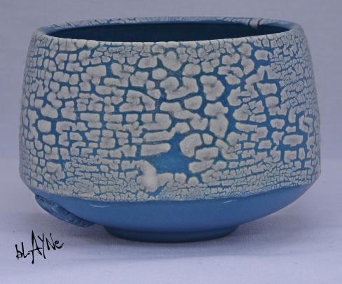Crawl glaze / Zircon white.
