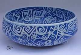 Porcelain bowl. Clear glaze.