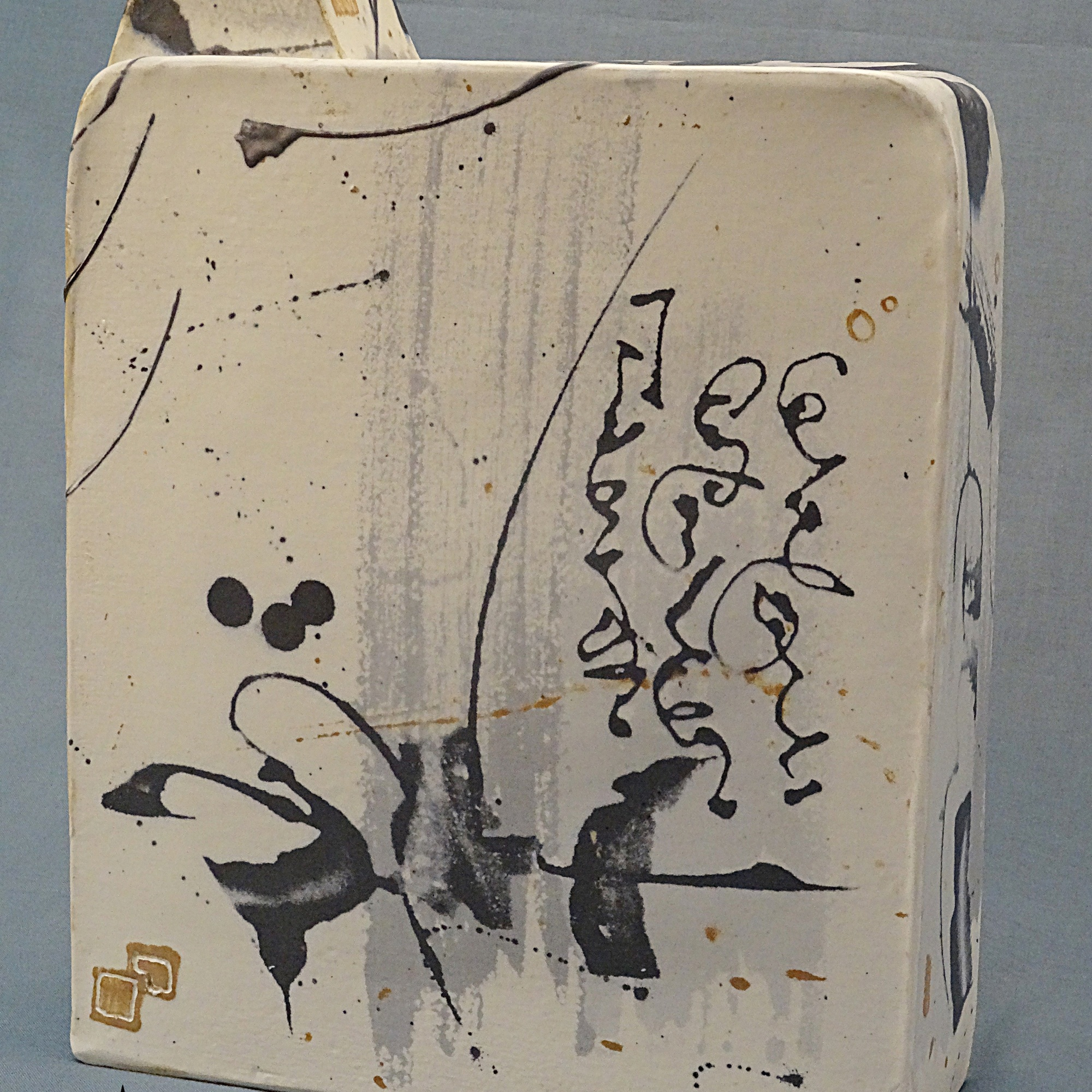ceramic bottle shape